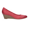 Leather pumps on a platform bata, red , 626-5638 - 15